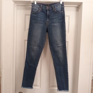Angry rabbit high rise skinny jean size 28
